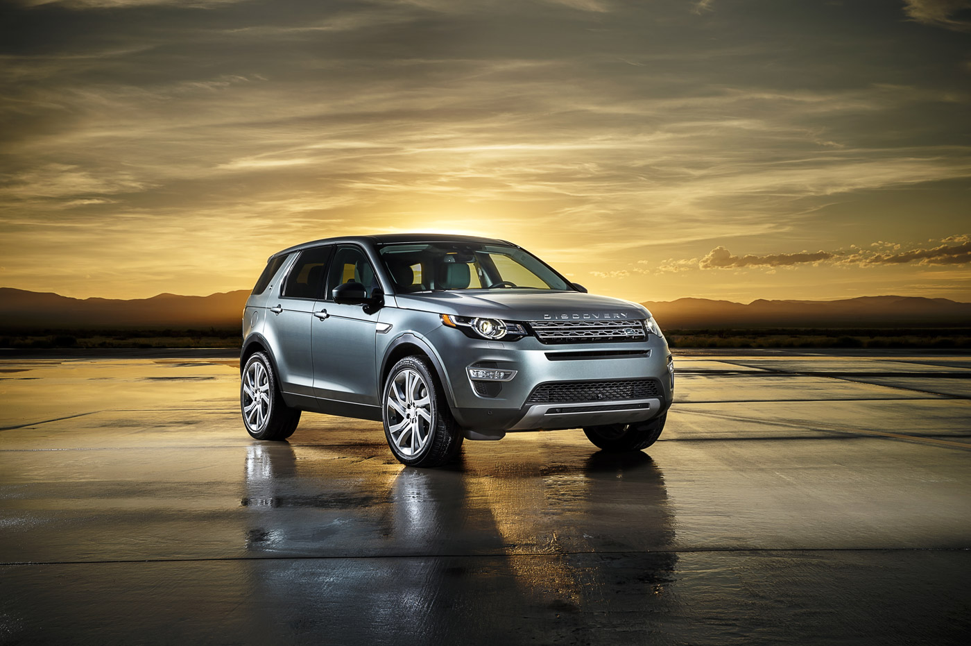 <p>Early morning shot with the Land Rover Discovery Sport on the runway at Spaceport New Mexico.</p>