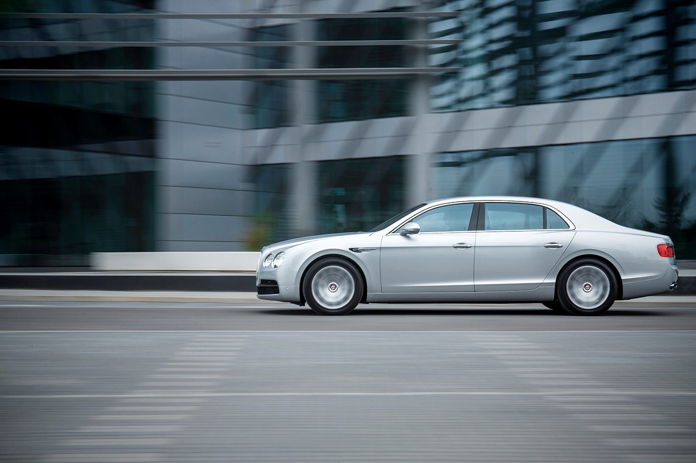 <p>Bentley Flying Spur on the move.</p>