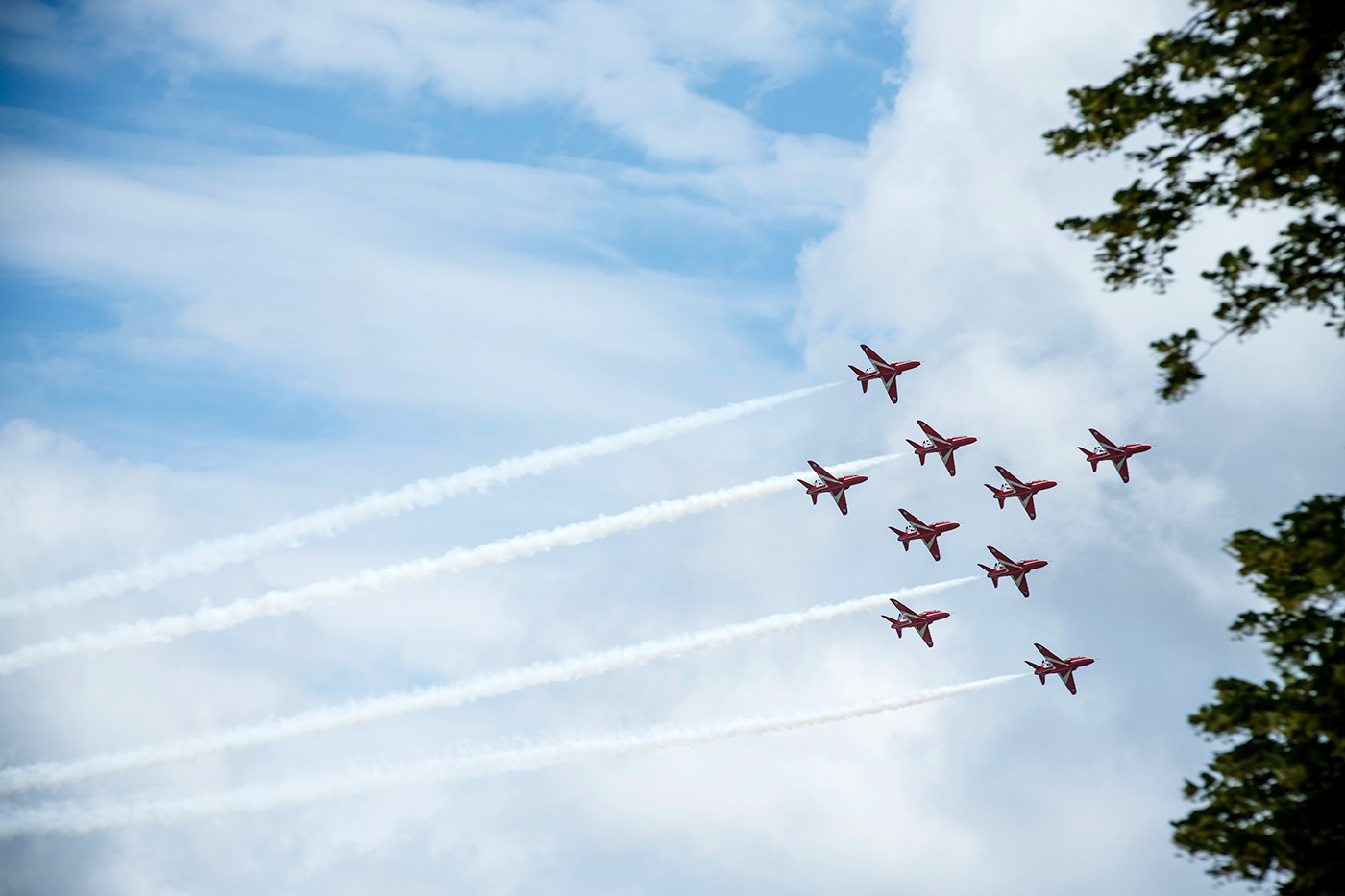 <p>The Red Arrows performing at Goodwood Festival of Speed.</p>