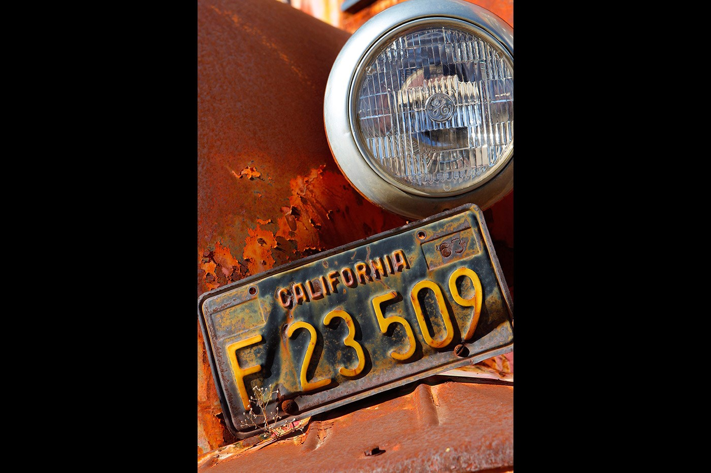 <p>Antique Californian blue licence plate at the Motor Transport Museum, Campo.</p>