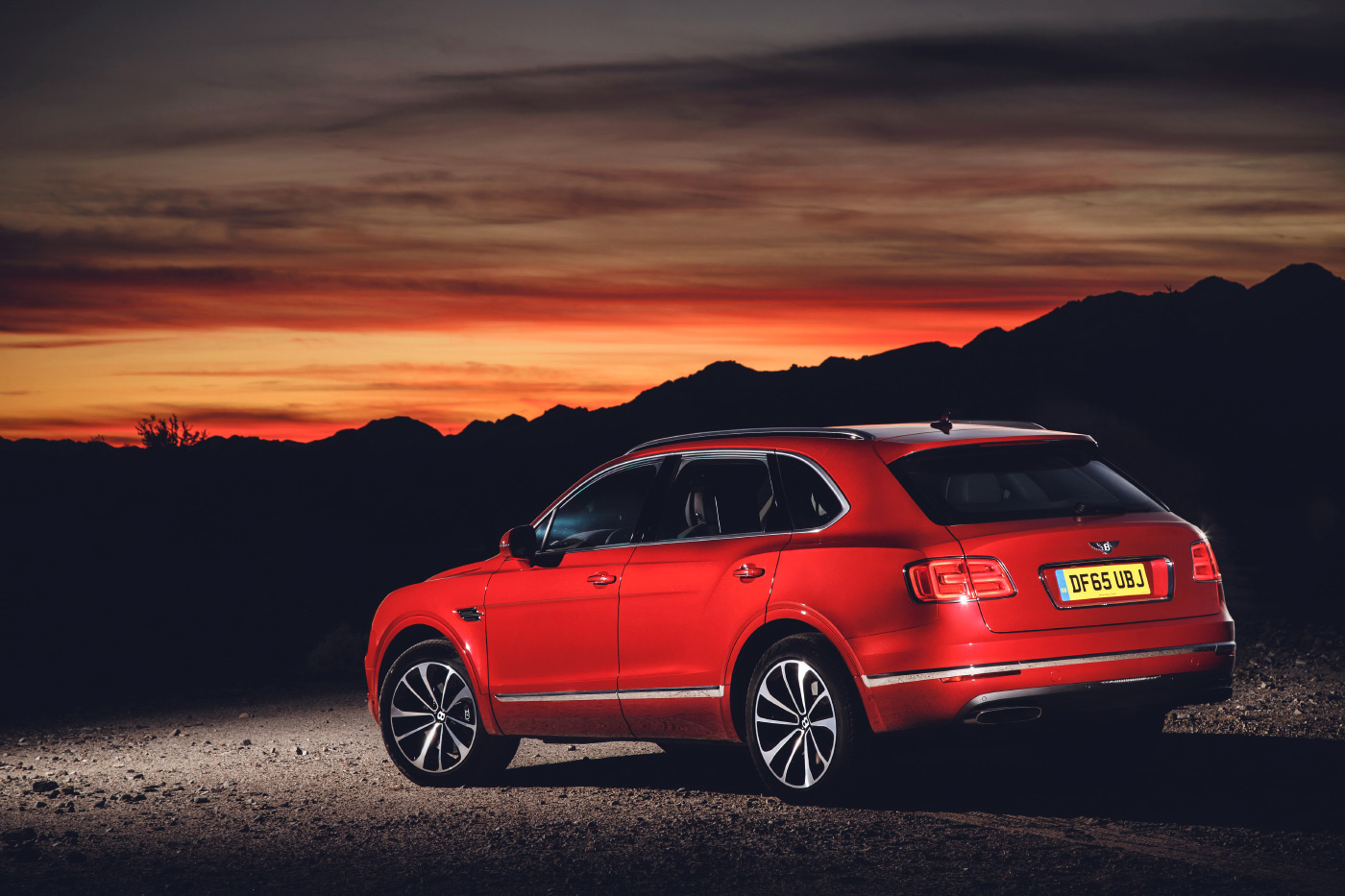 <p>Bentley Bentayga poses in front of a California sunset.</p>